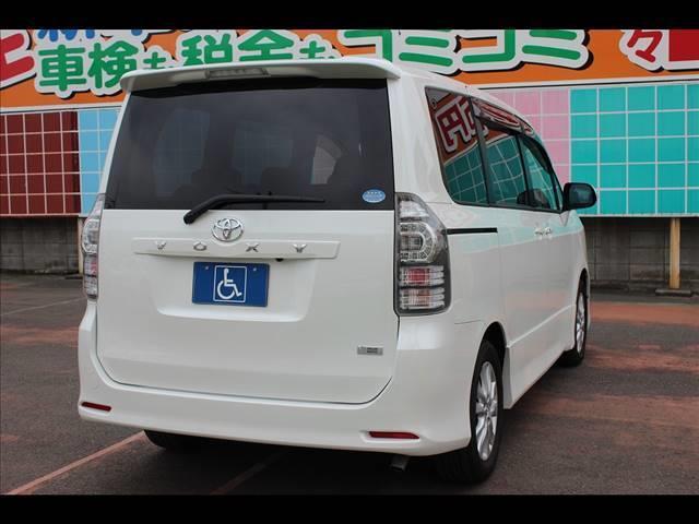 助手席リフトアップシート ZS ナビ 8人乗り(3枚目)