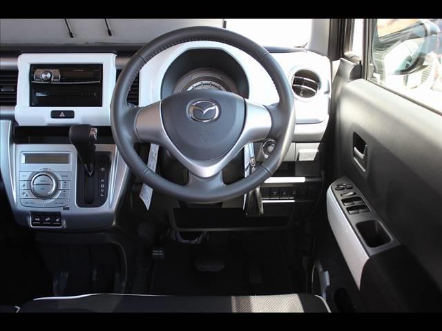XT 4WD レーダーブレーキサポート CDオーディオ レーダーブレーキ ターボ 4WD スマートキー シートヒーター アイドリングストップ キーフリー オートエアコン(9枚目)