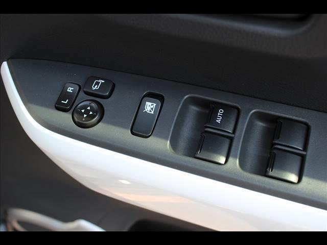 XT 4WD レーダーブレーキサポート CDオーディオ レーダーブレーキ ターボ 4WD スマートキー シートヒーター アイドリングストップ キーフリー オートエアコン(15枚目)
