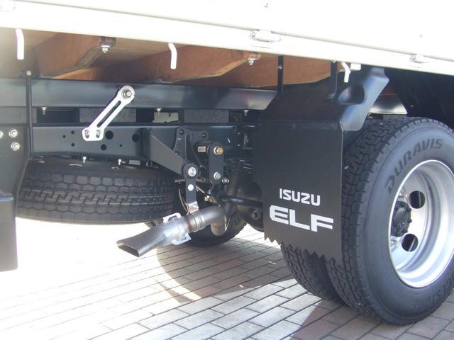 いすゞ エルフトラック 3段クレーン付き平ボディ