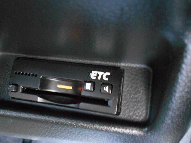 5速MT ナビ ビルトインETC フルセグTV Bluetooth プッシュスタート&キーフリー HIDライト CD DVD再生 革巻きステアリング オートエアコン フォグランプ ドアミラーウインカー(20枚目)