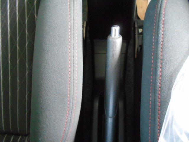 5速MT ナビ ビルトインETC フルセグTV Bluetooth プッシュスタート&キーフリー HIDライト CD DVD再生 革巻きステアリング オートエアコン フォグランプ ドアミラーウインカー(23枚目)