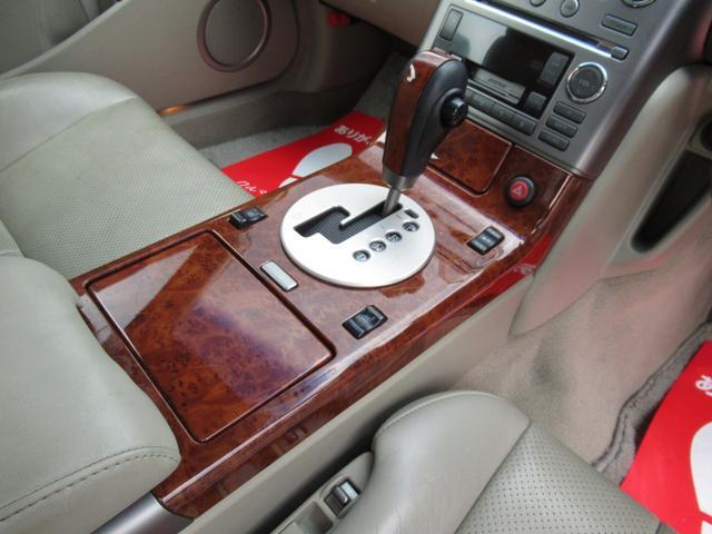 MTモード付き5ATです、大きくてパワーのある、車両はATでもOKで楽です。