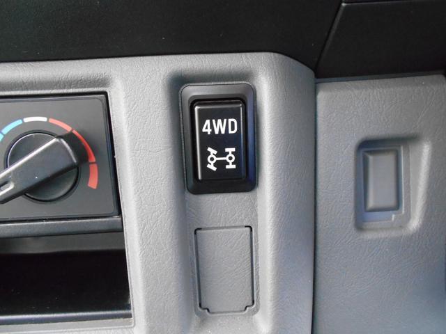VX-SE 5速マニュアル 4WD 純正ラジオ(9枚目)