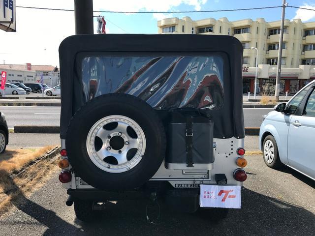 キャンバストップ 4WD ディーゼル マニュアル車 革シート(12枚目)