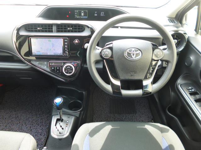 S メモリーナビ ワンセグTV パワーシート エアコン パワーステアリング パワーウィンドウ 運転席エアバッグ 助手席エアバッグ ABS(17枚目)