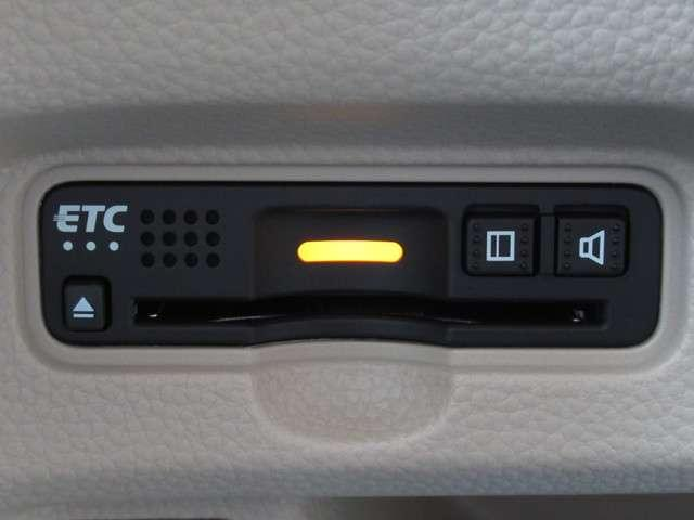 Gホンダセンシング メモリーナビ・バックカメラ・ETC スマートキー 横滑り防止装置 LEDヘッドランプ CD ABS エアコン パワーステアリング パワーウィンドウ(3枚目)