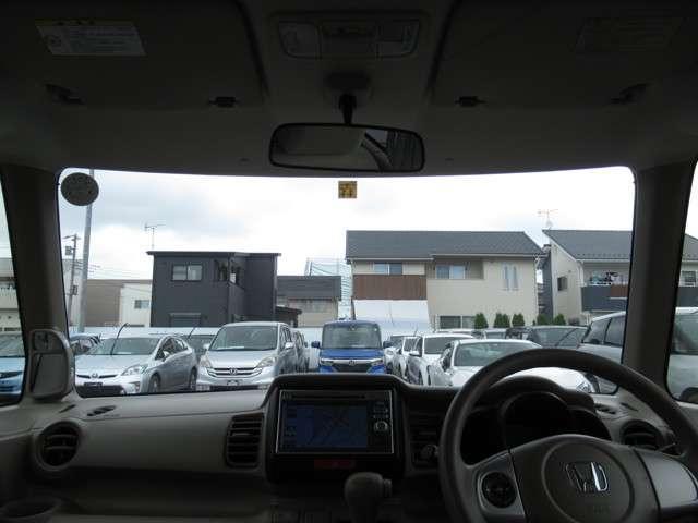 G メモリーナビ・バックカメラ 両側スライドドア スマートキー 盗難防止システム 横滑り防止装置 ベンチシート ミュージックプレイヤー接続可 アイドリングストップ CD ABS エアバッグ エアコン(10枚目)