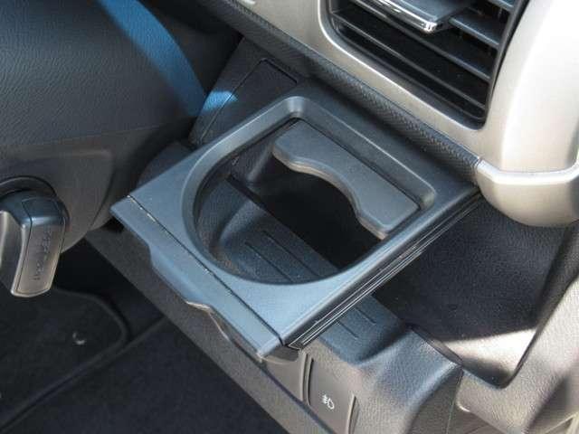 W メモリーナビ・スマートキー 盗難防止システム HIDヘッドライト アルミホイール ベンチシート CD ABS エアバッグ エアコン パワーステアリング パワーウィンドウ(14枚目)