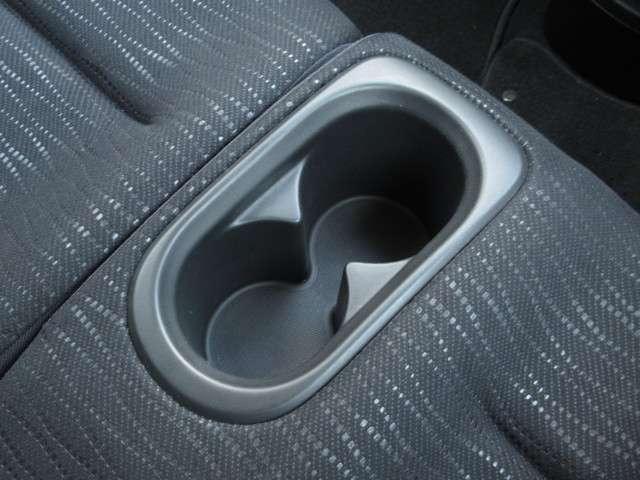 W メモリーナビ・スマートキー 盗難防止システム HIDヘッドライト アルミホイール ベンチシート CD ABS エアバッグ エアコン パワーステアリング パワーウィンドウ(15枚目)