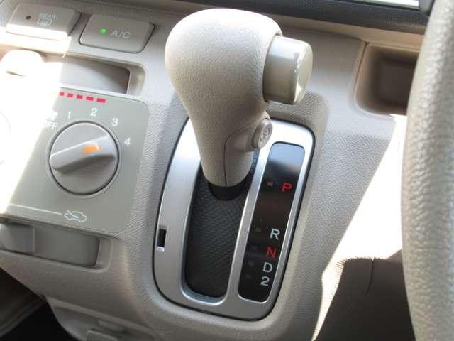 G バックカメラ付CD・スマートキー 盗難防止システム ベンチシート ABS エアバッグ エアコン パワーステアリング パワーウィンドウ(15枚目)