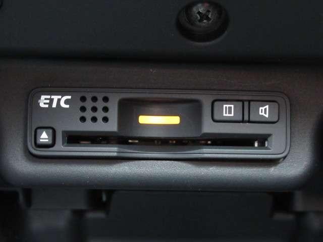 Mファインスピリット 純正HDDナビ・マルチビューカメラ キーレスエントリー 盗難防止システム HIDヘッドライト ETC 3列シート ミュージックサーバー 全周囲カメラ DVD再生 CD ABS エアバッグ エアコン(4枚目)