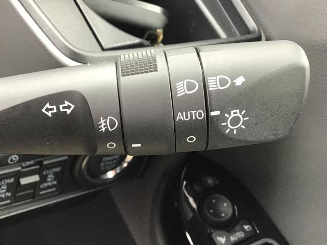 カスタムXセレクション アルミホイール LEDヘッドライト シートヒーター バックカメラ オートエアコン オートライト セキュリティアラーム アイドリングストップ 左右パワースライドドア コーナーセンサー(17枚目)