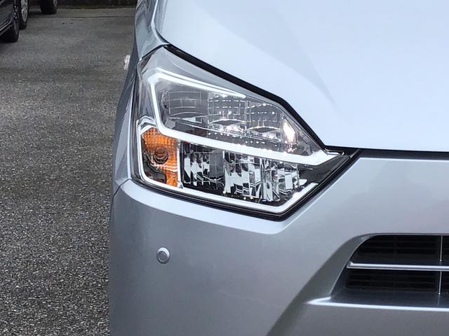 X リミテッドSAIII LEDヘッドライト コーナーセンサー バックカメラ リヤワイパー セキュリティアラーム アイドリングストップ スマートアシストIII(16枚目)