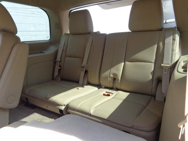 キャデラック キャデラック エスカレード 4WD 正規ディーラー車 純正22inchAW バックカメラ