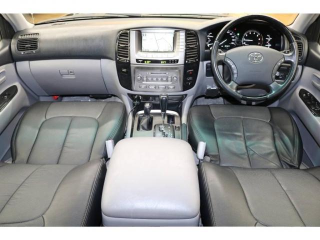 トヨタ ランドクルーザー100 VXリミテッド60thスペシャルエディション