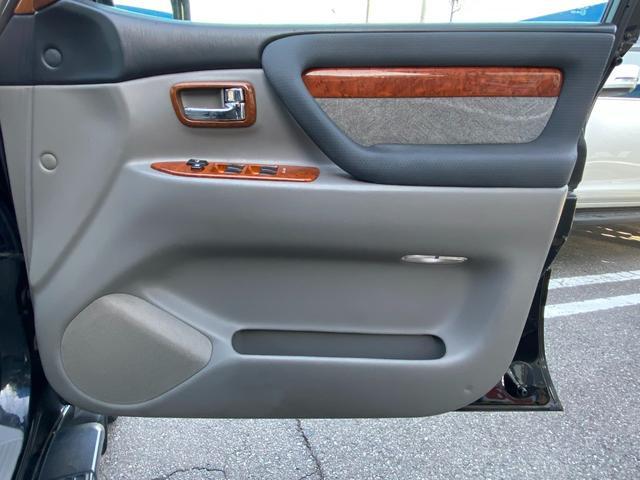 VXリミテッド オールペイントブラック マルチレス MKW22インチAW 社外305タイヤ 後期LOOKヘッドライト&テール ウッドコンビハンドル&シフトノブ 純正ETC(21枚目)