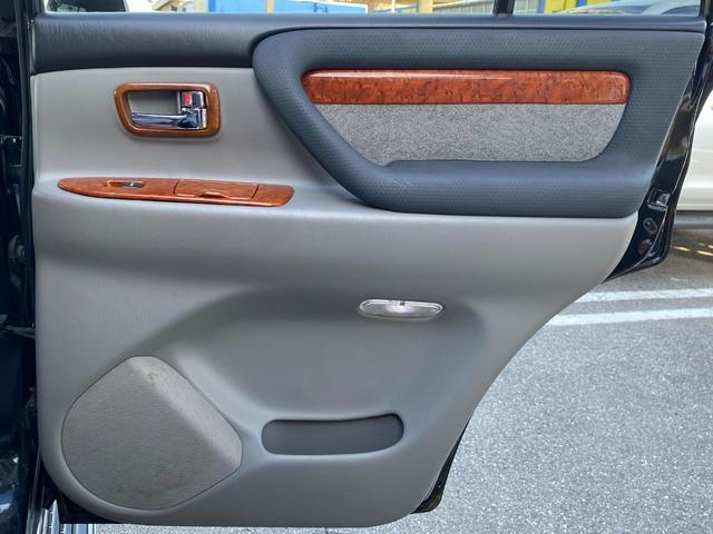 VXリミテッド オールペイントブラック マルチレス MKW22インチAW 社外305タイヤ 後期LOOKヘッドライト&テール ウッドコンビハンドル&シフトノブ 純正ETC(23枚目)
