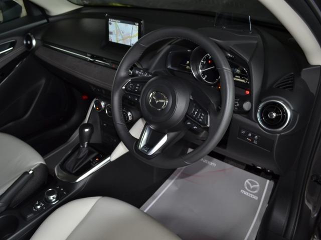 XD ホワイト コンフォート 4WD 360°カメラ マツコネナビ レーダークルーズ LEDライト 白革シート シートヒーター 運転席Pシート パドルシフト 衝突軽減ブレーキ(2枚目)