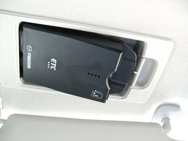 1.5 XD ディーゼルターボ マツコネナビ ETC Bカメラ ETC付 LEDヘッド CD Bモニター スマートキー ターボ フルセグ メモリーナビ ABS アイドルストップ 衝突被害軽減装置 DVDプレーヤー TVナビ(4枚目)