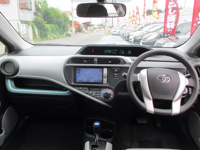 トヨタ アクア S スマートエントリーパッケージ 純正HDDナビ Bカメラ