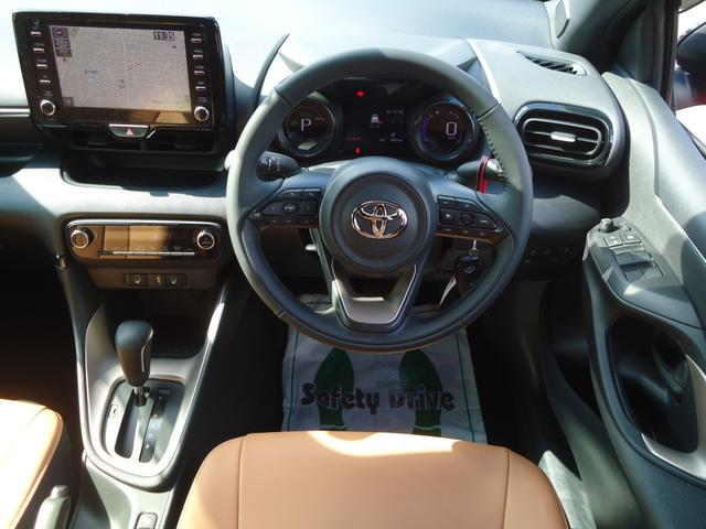 ハイブリッドZ 4WD セーフティセンス 8インチナビ パノラミックビュー レーダークルーズ ETC2.0(3枚目)