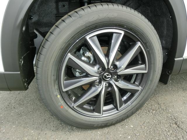 純正19インチアルミホイール!タイヤの溝もちろんバッチリあります!サイズは225/55-19です!すぐ乗れるCX-5です!お見逃しなく!