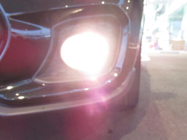 ベースグレード SDワイドナビ 地デジフルセグTV 前後カメラドライブレコーダー LEDヘッドライト フォグランプ キーレスプッシュスタート 17インチアルミホイール(24枚目)