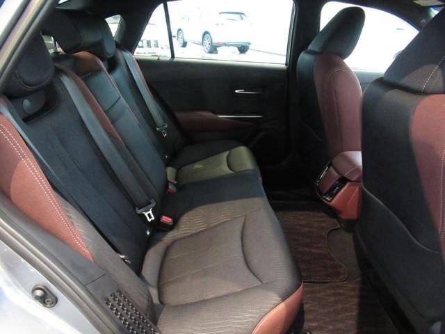 RS トヨタセーフティセンス 純正ナビ アダプティブクルーズ パワーシート シートヒーター ステアリングヒーター LEDライト LEDフォグ ヘッドランプウォッシャー 18インチアルミホイール スマートキー(15枚目)