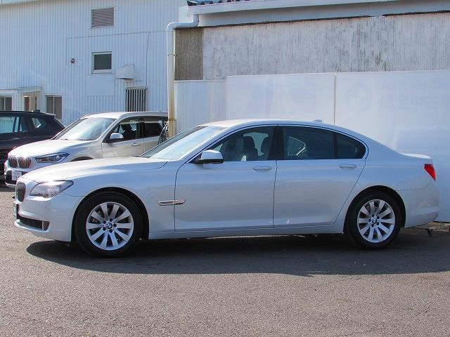 BMW BMW 740i 認定中古車 純正ナビ DTV キセノン 禁煙車