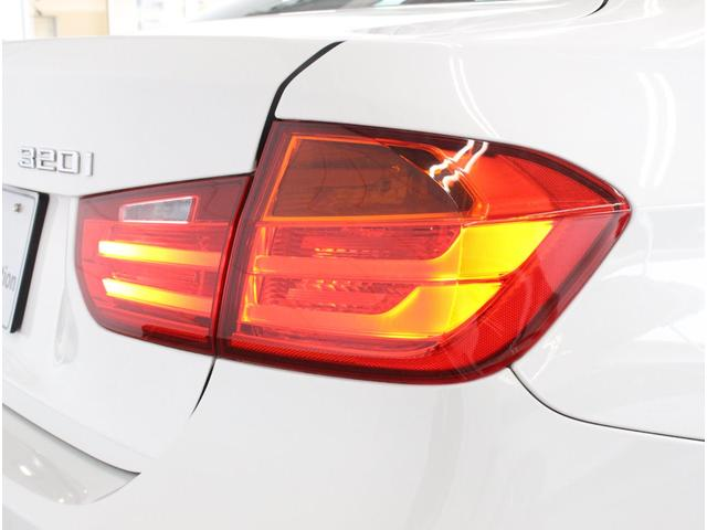 320i Mスポーツ 認定中古車 赤レザー キセノン ETC(14枚目)