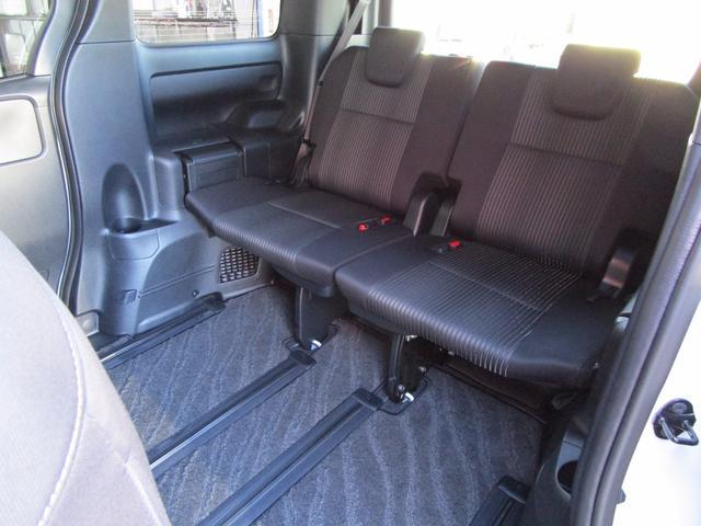 トヨタ ヴォクシー ZS アルパイン11型ナビ 12.8型リアモニター