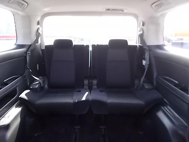 便利な3列シート8人乗りです♪使用しないときは収納してしまって、荷物もたっぷり収納しましょう♪お問い合わせはお気軽に0120-03-1190.sankyo8585@net.email.ne.jp☆
