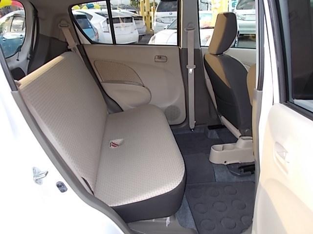 見てください、セカンドシート部分もこんなに広々です!大人もゆったり座れますし、お子様も喜んで乗れます♪ ☆お問い合わせはお気軽にフリーダイヤル0120-03-1190 ☆