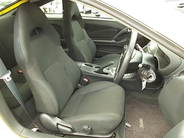 フロントシートのコンディションも良好です!黒色のシートが引き締まってかっこいいです♪♪お問い合わせはお気軽に0120-03-1190.sankyo8585@net.email.ne.jp☆