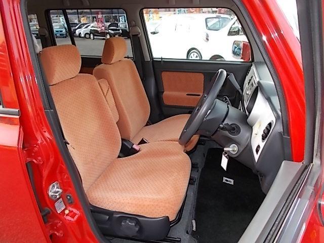 フロントシートのコンディションも良好です!茶色のシートが引き締まって落ち着いてます♪♪お問い合わせはお気軽に0120-03-1190.sankyo8585@net.email.ne.jp☆