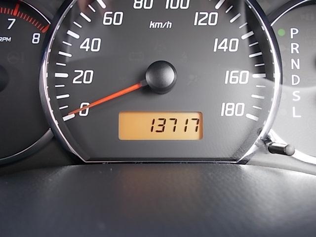 XGエアロ 走行13.700キロ 黒色専用アルカンターラシート フロジェクターヘッドライト SDナビ ワンセグTV  純正15インチアルミ 禁煙車(3枚目)