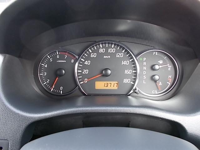 XGエアロ 走行13.700キロ 黒色専用アルカンターラシート フロジェクターヘッドライト SDナビ ワンセグTV  純正15インチアルミ 禁煙車(29枚目)