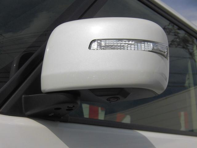 LEDサイドターンミラー サイドカメラ※全方位モニター用パッケージ装着車は、対応ナビゲーションの装着を前提とした仕様です