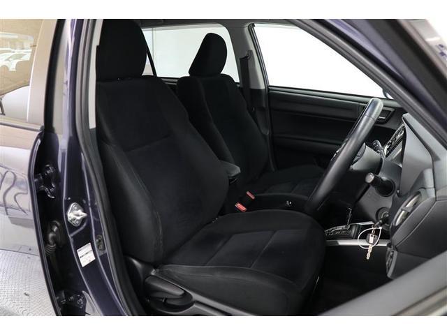 ハンドル、シートともに上下前後に調節できるので、体格や好みに合わせてドライビングポジションを設定できます!