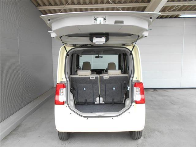 ≪ラゲッジスペース≫ 広さと使い勝手が気になるラゲッジスペース!後部座席のシートを倒せば、長さのある荷物も積むことができます!利用シーンに応じてアレンジしてみてくださいね!