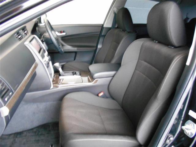 シートを外して、シートはもちろん室内をくまなく洗浄しているので見えないところまでとってもキレイ☆運転席はポジション調整が楽にできるパワーシートになっています。
