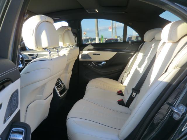 S400d AMGラインプラス レーダーセーフティ ナビゲーションPK パノラミックルーフ AMG20インチアルミ ディストロニックプラス ヘッドアップディスプレイ ブルメスタ ホワイトレザーシート(18枚目)