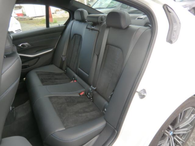 320d xDrive Mスポーツ コンフォートパッケージ パーキングアシストプラス インテリジェントセーフティ 正面衝突 側面衝突 車線変更 車線逸脱警告 パーキングアシスト 後退アシスト オートトランク(17枚目)