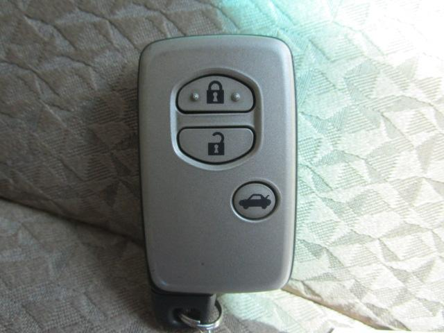 便利なスマートキー! ポケット等にキーを入れたままエンジン始動が出来ちゃいます! さらに盗難防止装置も付いています♪