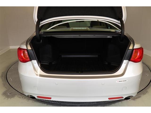 トランクルームはゴルフ用具や旅行カバンなどをゆったり積み込めるスペースを確保。