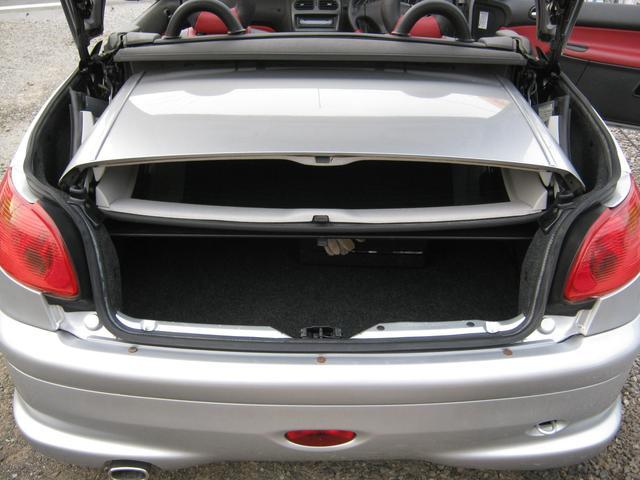 プジョー プジョー 206 CC S16 電動オープン 黒赤本革シート 5速マニュアル車