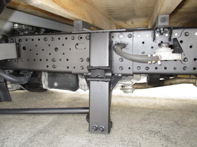 いすゞ エルフトラック 2t ロング フルフラットロー アルミブロック 4WD