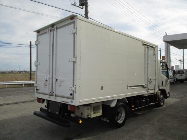 2t ロング 冷蔵冷凍 4WD オートマ車(2枚目)