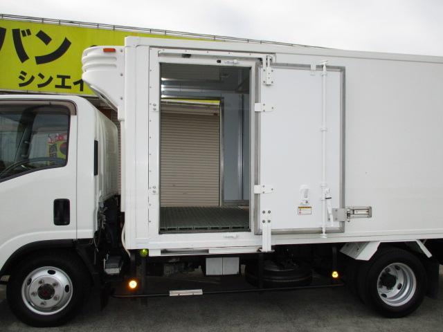 2t ロング 冷蔵冷凍 4WD オートマ車(7枚目)
